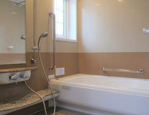浴室乾燥機付き、広々お風呂(風呂)