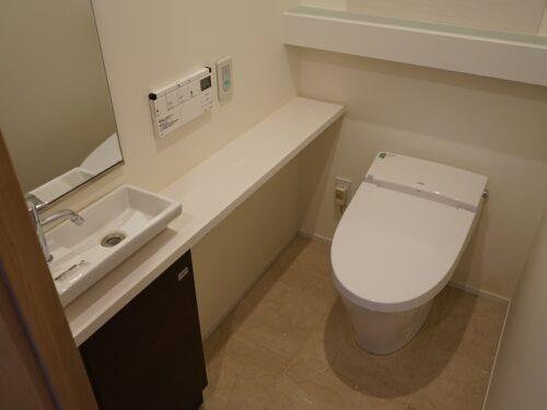 手洗い有、タンクレストイレ