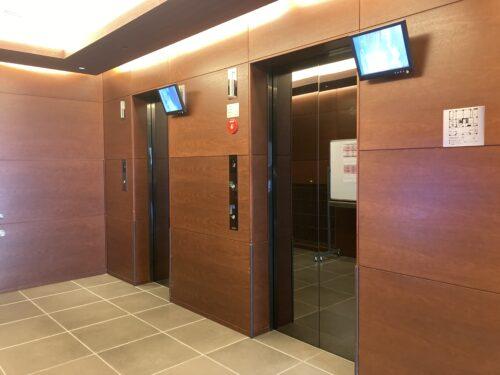 2基あるエレベーター