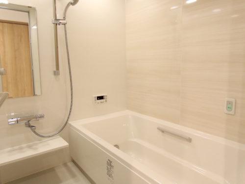 浴室乾燥機付き、1坪ある浴室