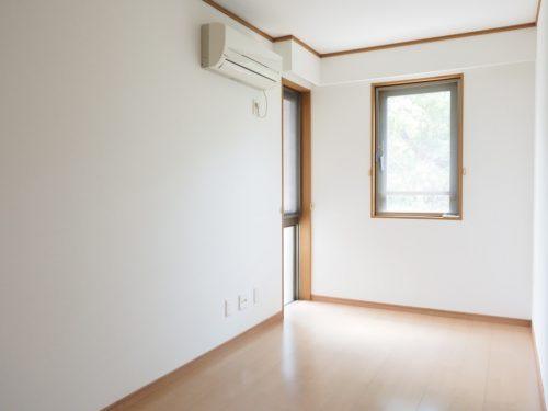 5.5帖ある洋室、エアコン完備(子供部屋)