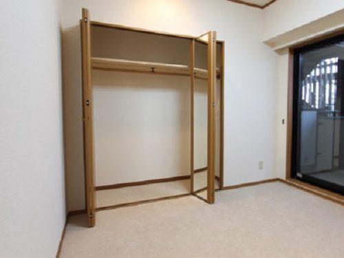 主寝室の大型クローゼット