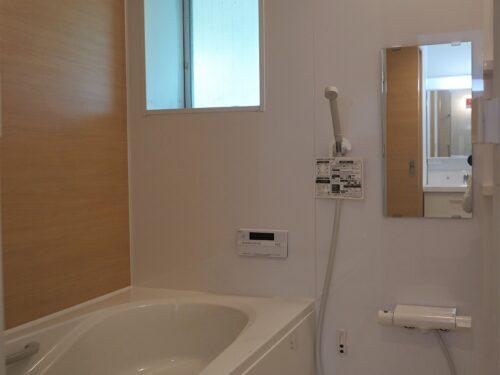 1坪風呂、窓付