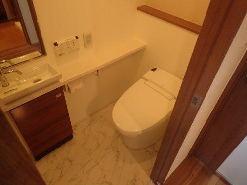 タンクレストイレ、室内手洗い付