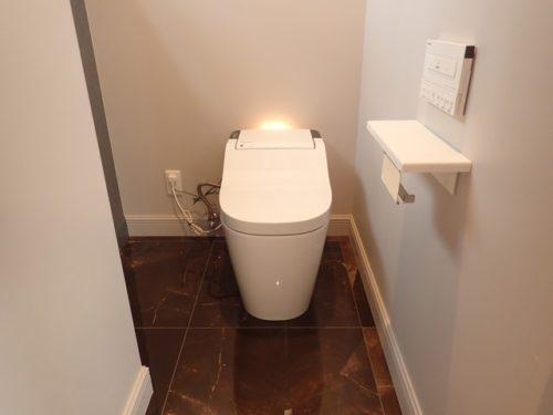 トイレ(大理石)